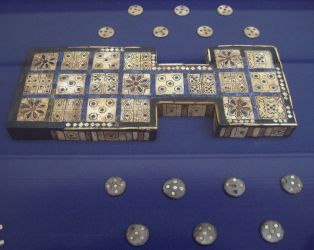 1200px-British_Museum_Royal_Game_of_Ur