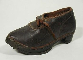 1800s shoe.jpg